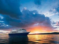 schiffe und kreuzfahrt