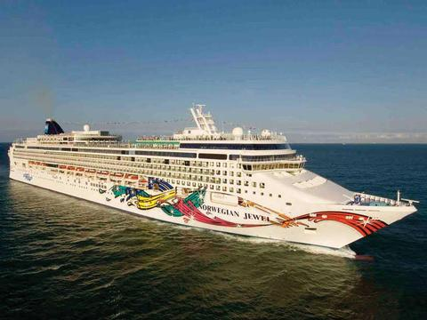 Norwegian Jewel Schiff